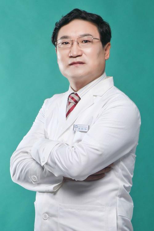 美联体名誉理事长医大一院整形科秦宏智