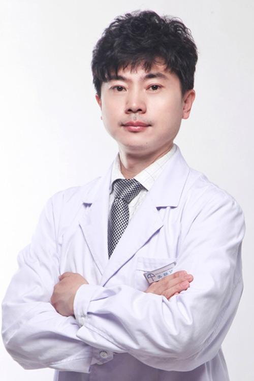 面型改造术领军人物,中国颅颌面整形手术一等奖获得者,辽宁省十佳医生